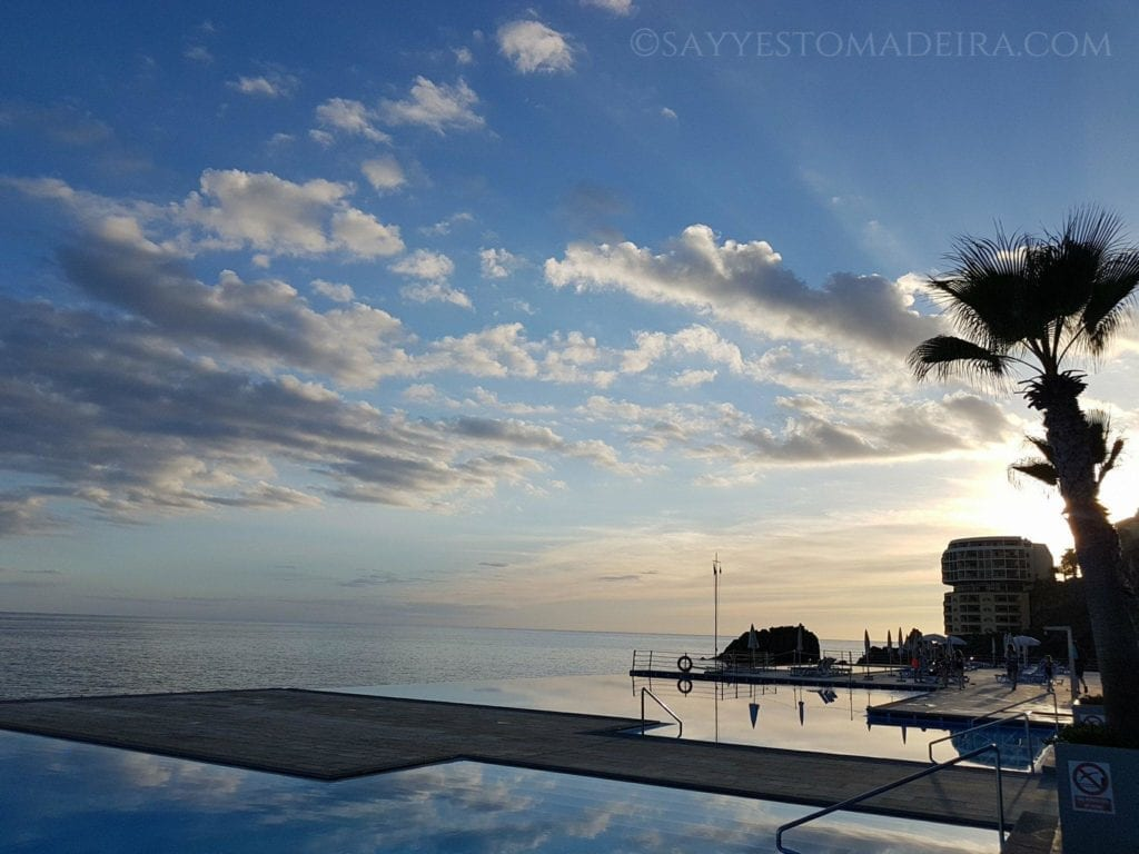 EN: Infinity pools in Funchal, Madeira ~ PL: Baseny typu infinity pool w Funchal na portugalskiej Maderze