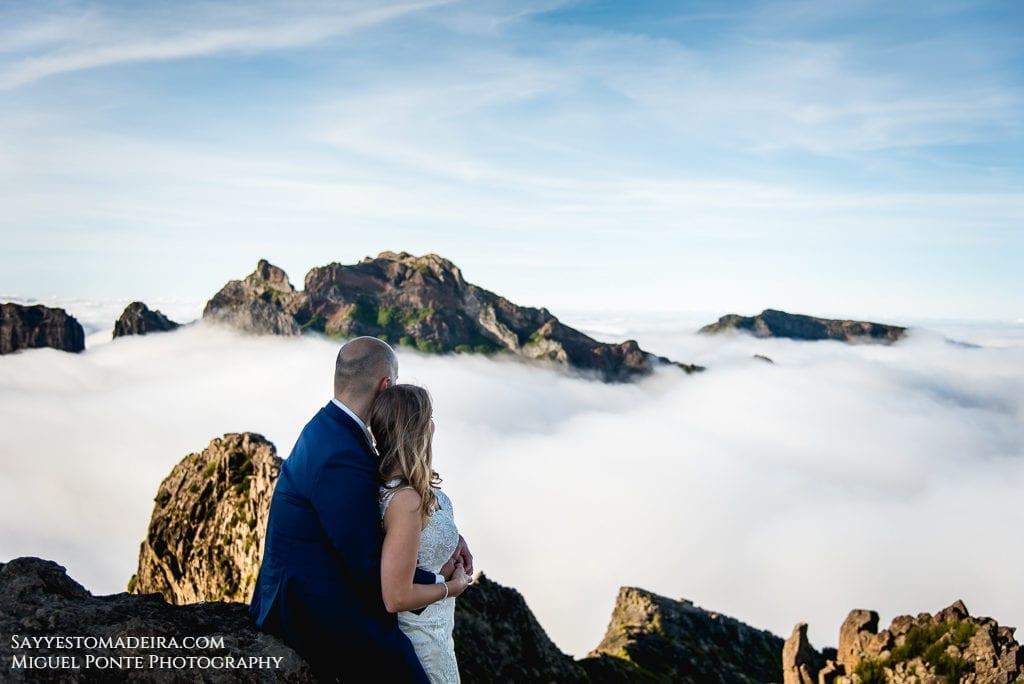 Wedding in Madeira, Portugal; the island offers spectacular locations for wedding photoshoots ~ Slub na Maderze; wyspa oferuje spektakularne krajobrazy na sesję zdjęciową w plenerze.