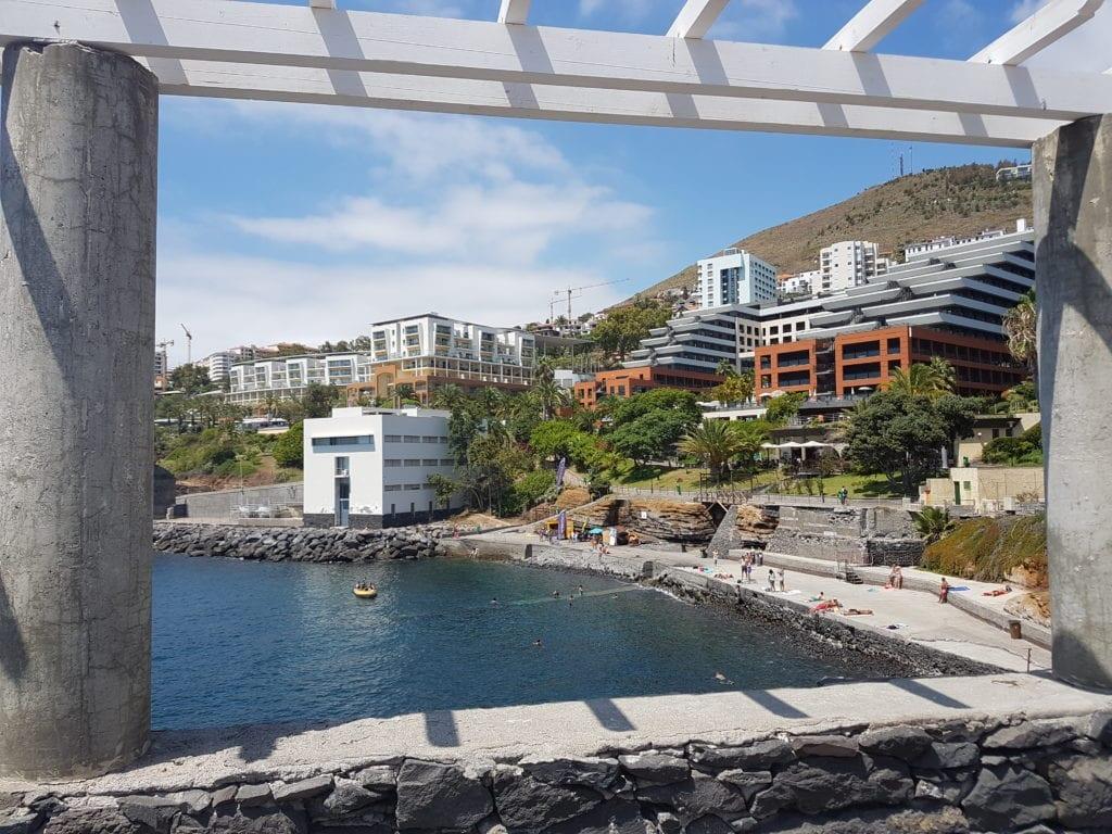Beaches in Madeira: Gorgulho - Gavinas Beach in Funchal