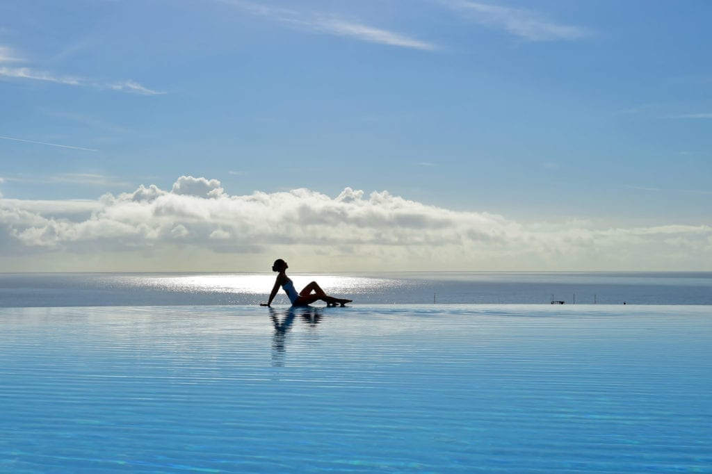 Most beautiful hotel pools in Madeira, Portugal: Pestana Casino Park Hotel in Funchal ~ Najpiękniejsze baseny hotelowe na Maderze - zestawienie. Zdjęcie: Pestana Casino Park Hotel w Funchal