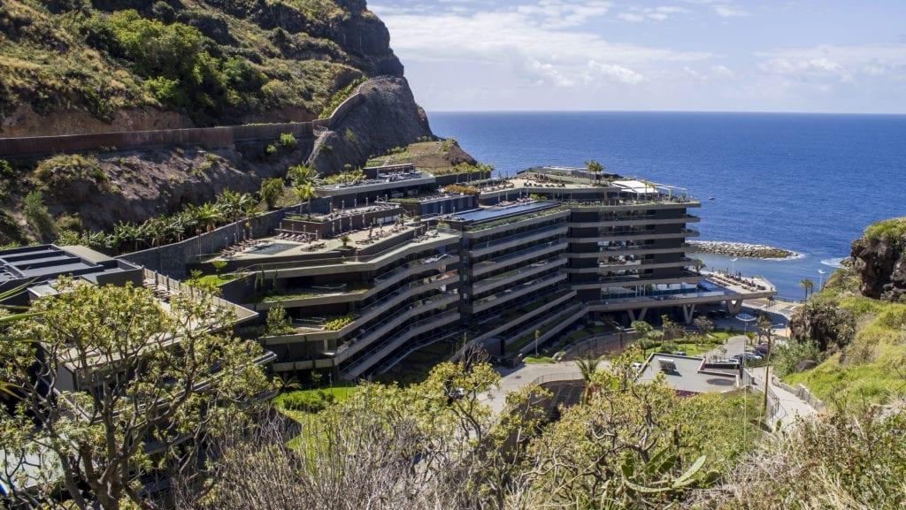 Gdzie kąpać się na Maderze - zestawienie. Najpiękniejsze hotelowe baseny na Maderze - Hotel SAVOY SACCHARUM
