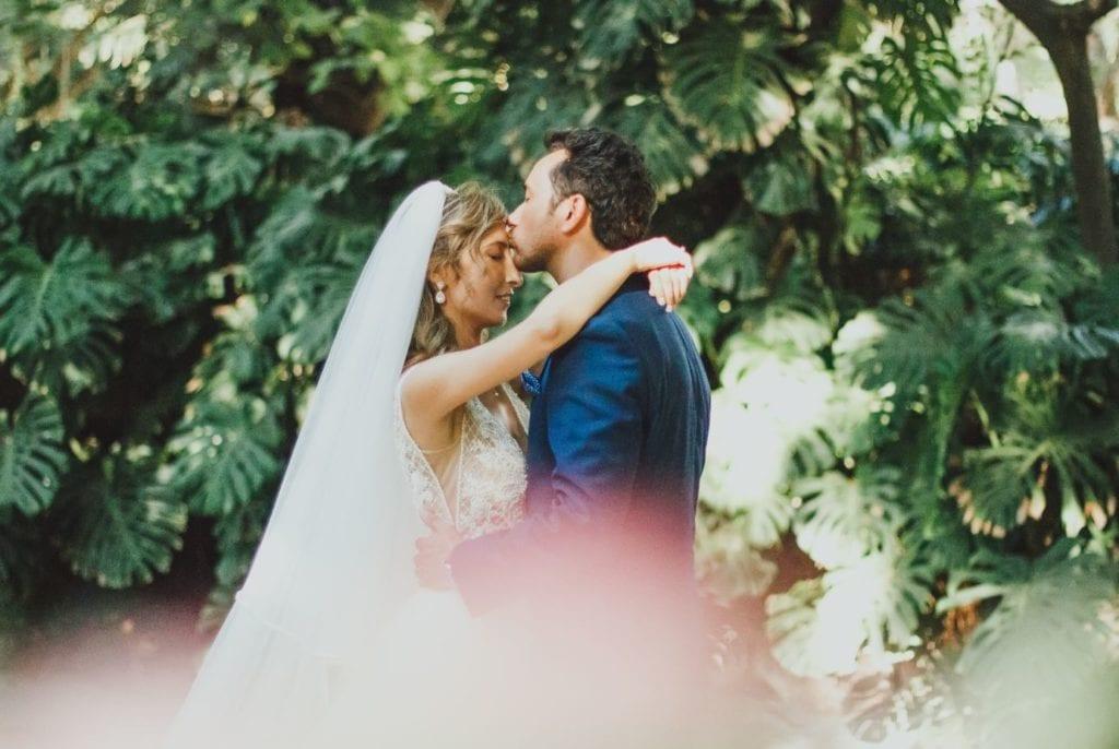 Wedding in Portugal - tropical wedding / Ślub w Portugalii - ślub w stylu tropikalnym #tropical #tropicalwedding #monstera #urbanjungle