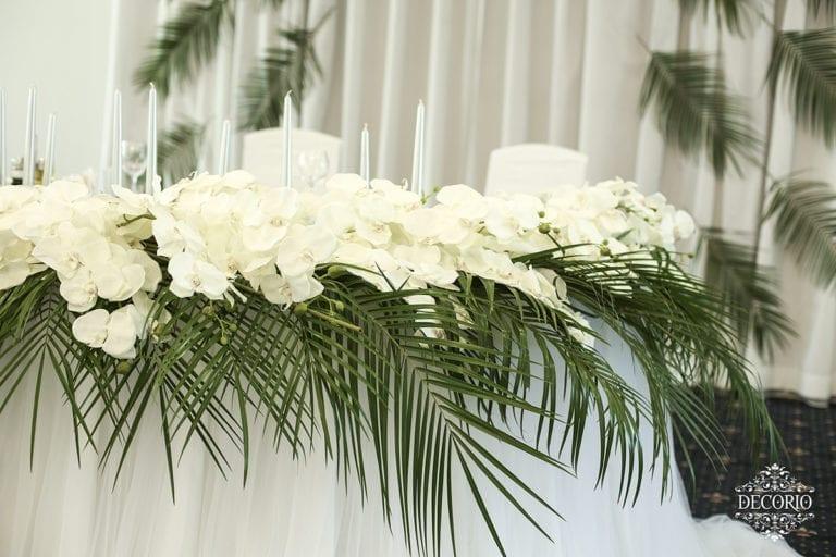 Tropical wedding decorations ~ Ślub w stylu tropikalnym - pomysł na elegancki wystrój sali weselnej w stylu tropikalnym