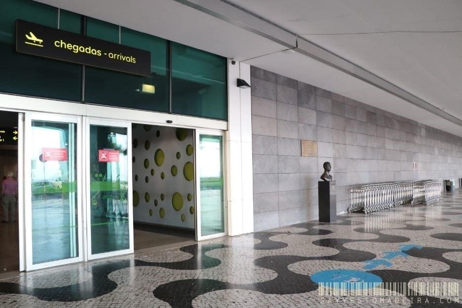 AEROBUS – bus service from/to the airport in Madeira. Bus stop on Cristiano Ronaldo Airport in Madeira | AEROBUS – Autobus z lotniska w Funchal. Przystanek autobusu na lotnisku na Maderze - gdzie się znajduje?
