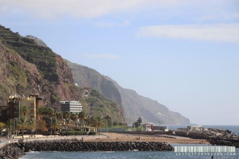 Calheta, Madeira Island - attractions. Calheta beach. ~ Atrakcje w Calheta. Piaszczysta plaża w Calheta na Maderze #madeira #madera #portugal #portugalia #calheta #beach