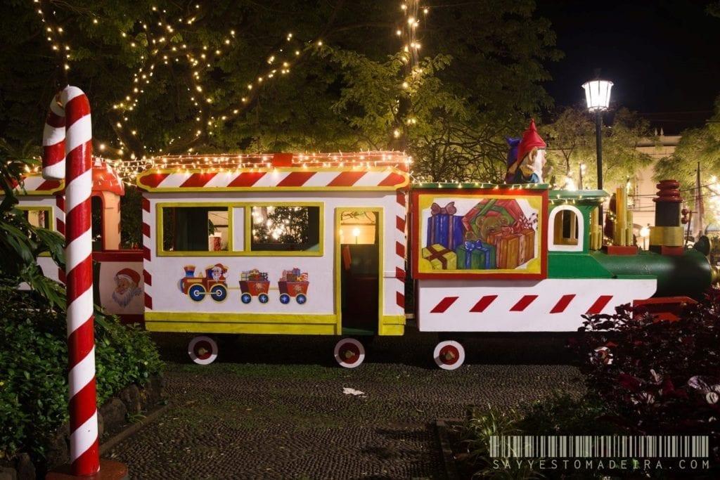 Christmas attractions for kids in Madeira: Santa's Village in Funchal | Świąteczne atrakcje dla dzieci na Maderze: Wioseczka Bożonarodzeniowa w Funchal