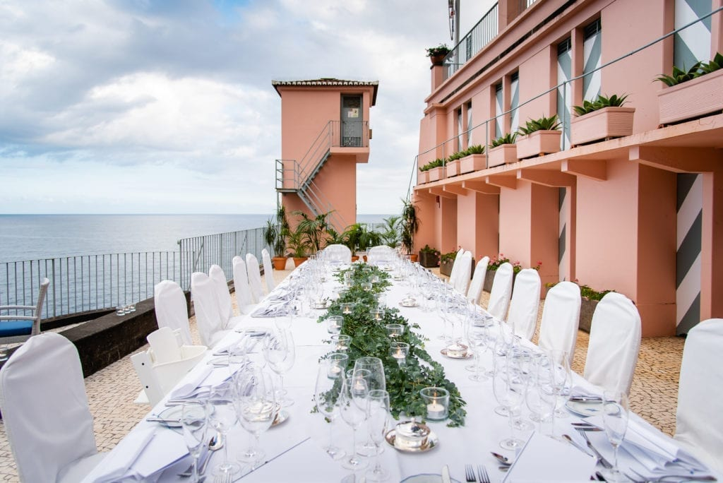Najlepsze miejsca na ślub w Portugalii: Ślub w hotelu Belmond Reid's Palace na Maderze I Best European wedding locations: Weddings at Belmond Reid's Palace in Madeira PHOTO: Miguel Ponte Photography #madeira #belmond #portugal #destinationwedding #wedding