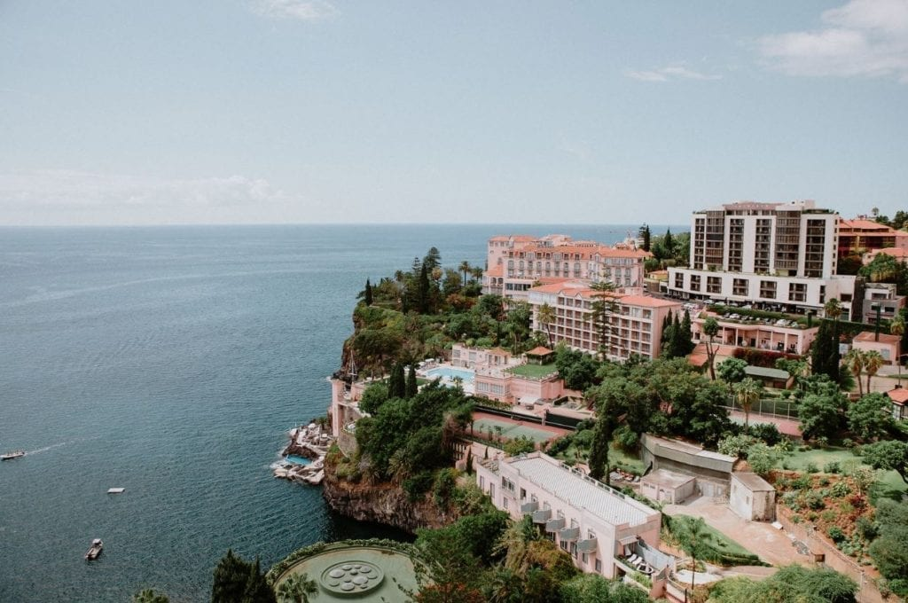Najlepsze miejsce na ślub w Europie: Ślub w hotelu Belmond Reid's Palace na Maderze I Best European wedding locations: Weddings in Belmond Reid's Palace in Madeira Fot: The Memory Shop