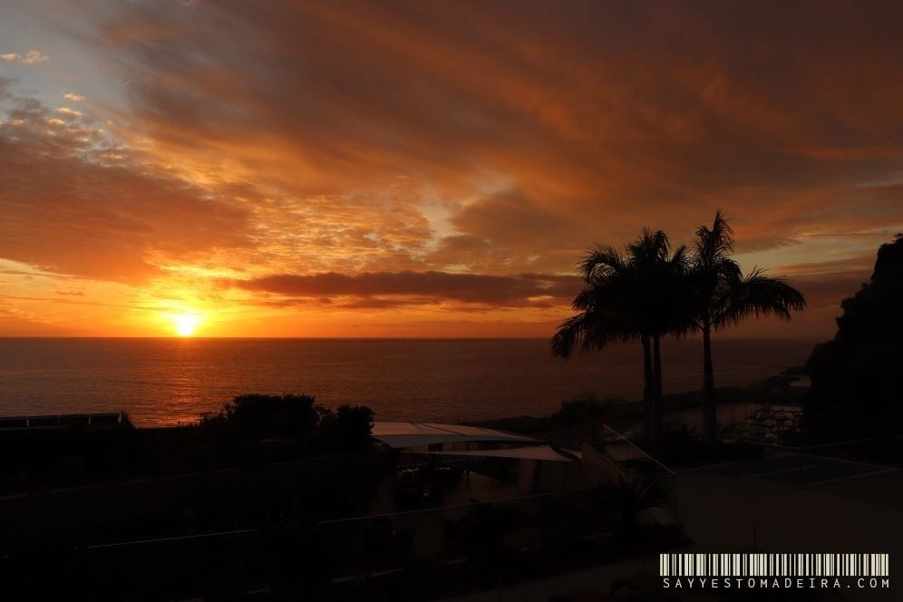 Best hotels in Madeira: Savoy Saccharum Resort & Spa in Calheta. ~ Hotel z pieknym basenen na Maderze: Savoy Saccharum Resort & Spa w Calheta. Idealny hotel dla par na Maderze. #madeira #madeiraisland #portugal #calheta #madeiraattractions #bestofportugal #travel #besthotels #sunset