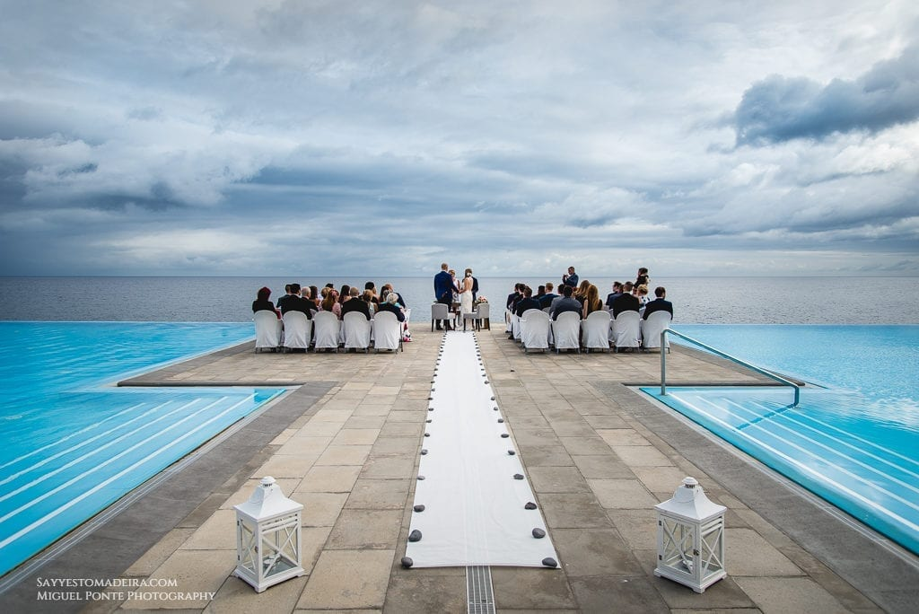 Best destination wedding venues in Europe. Wedding in Portugal. Wedding in Madeira. Blue weddings. #wedding #destinationwedding #elope #elopement