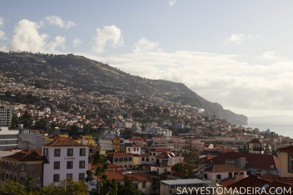 Best of Madeira: View on Funchal from the balcony of the Universo de Memorias Joao Carlos Abreu #funchal #madeira #portugal Najlepsze na Maderze: Widok na Funchal z balkonu w Muzeum Universo de Memorias #madera #portugalia