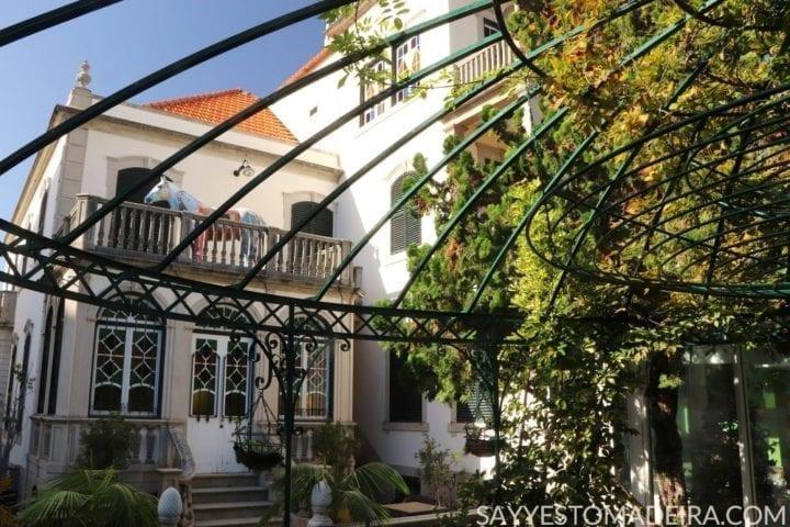Funchal Gems: Best garden cafes in Funchal - Universo de Memorias Joao Carlos Abreu #funchal #madeira #portugal Polecane kawiarnie na Maderze: Kawiarnia w ogrodzie muzeum Universo de Memorias Joao Carlos Abreu w Funchal na Maderze