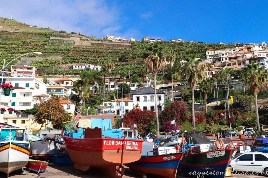 Camara de Lobos, Madeira Island. #madeira #portugal #europetravel #travel #bucketlist Piękne miejsca na Maderze: Zatoka w Camara de Lobos. Cabo Girao #madera