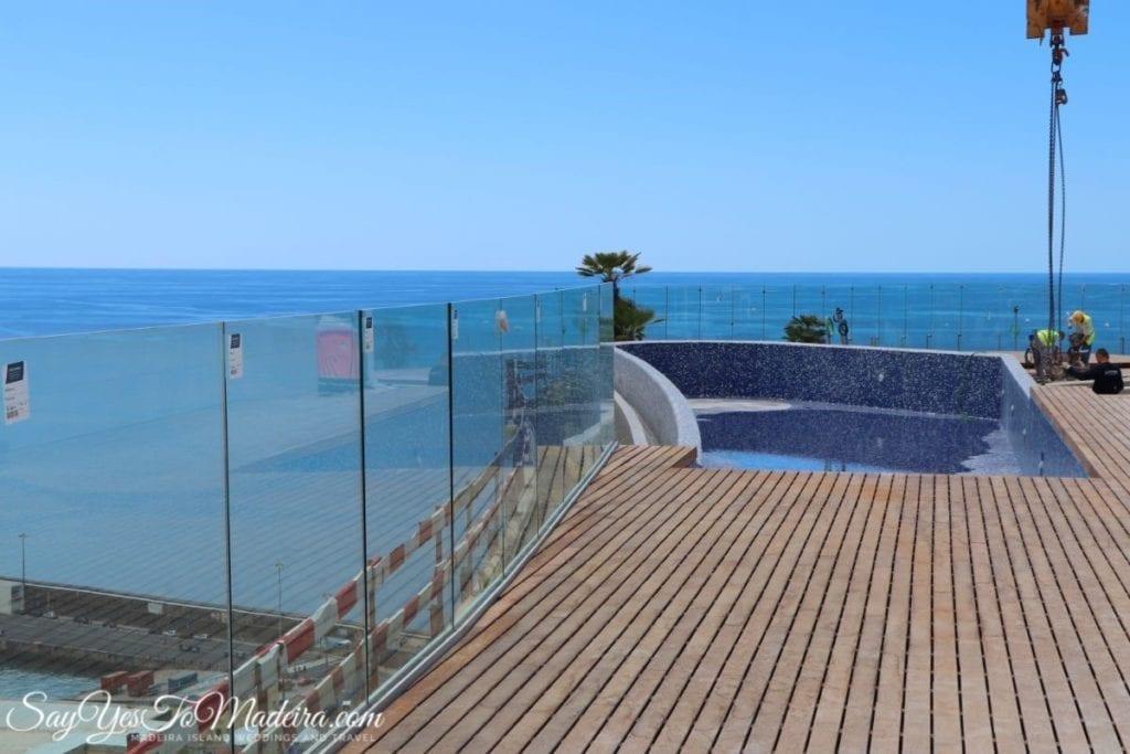 Infinity roof pools in Savoy Palace, Madeira Island || Basen na dachu hotelu Savoy Palace, Madera, Portugalia