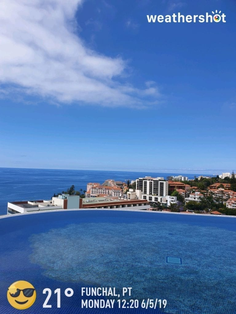 Weather in Madeira in May - Pogoda na Maderze w maju Savoy Palace rooftop swimming pool - Basen na dachu hotelu Savoy Palace w Funchal