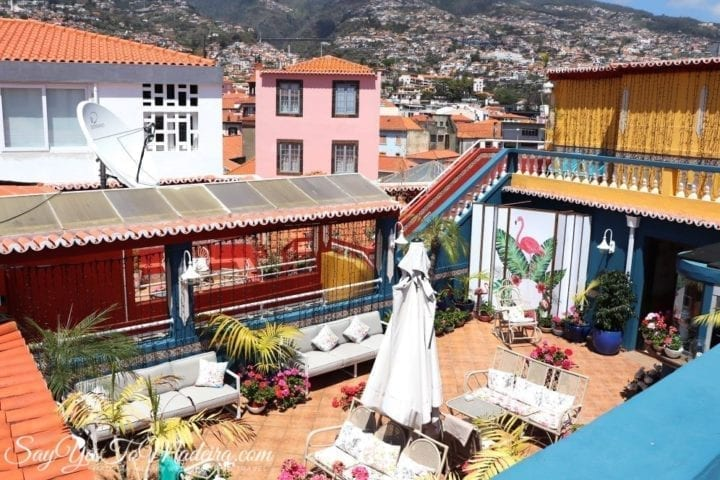 Where to go for a drink in Funchal? Se Boutique Cafe & Rooftop bar Madeira Island - Gdzie na kawę na Maderze - taras kawiarniany obok katedry Se w Funchal