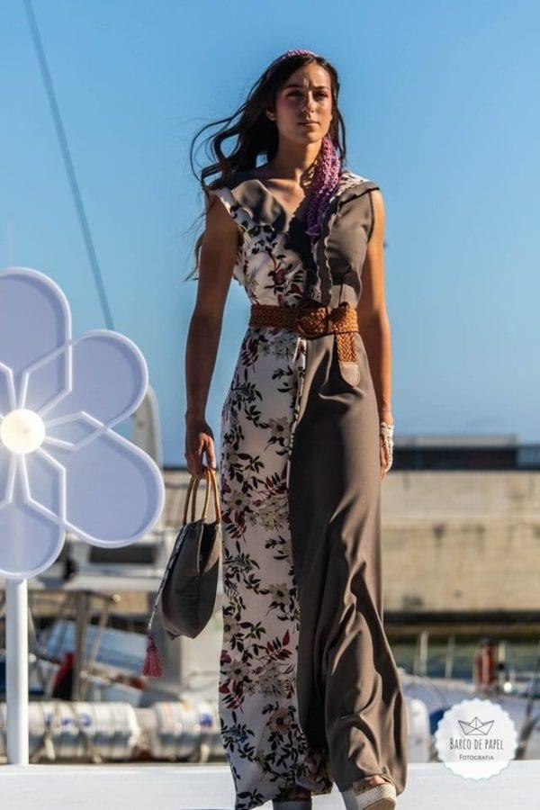 Designer: Claudia Faria - Madeira Flower Collection 2019 on Madeira Island - Długa brązowa sukienka podczas pokazu mody w Funchal #dress #suknia #maxidress #floraldress #kwiecistasuknia #sukniawkwiaty #madeira #suknia #długasuknia
