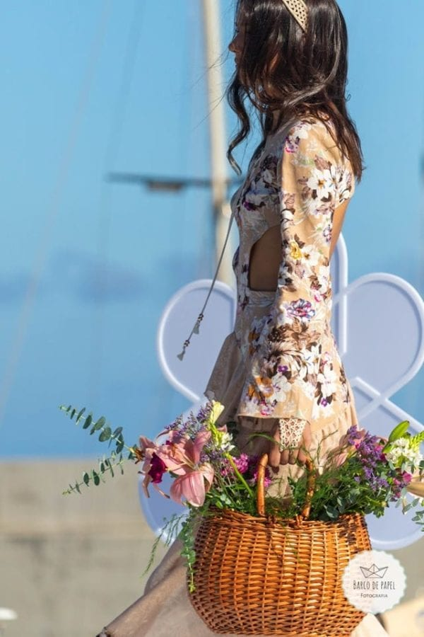 Designer: Claudia Faria - Beautiful beige summer dress presented during Madeira Flower Collection 2019 on Madeira Island - Długa beżowa letnia sukienka podczas pokazu mody w Funchal #dress #suknia #maxidress #floraldress #kwiecistasuknia #sukniawkwiaty #madeira #suknia #długasuknia