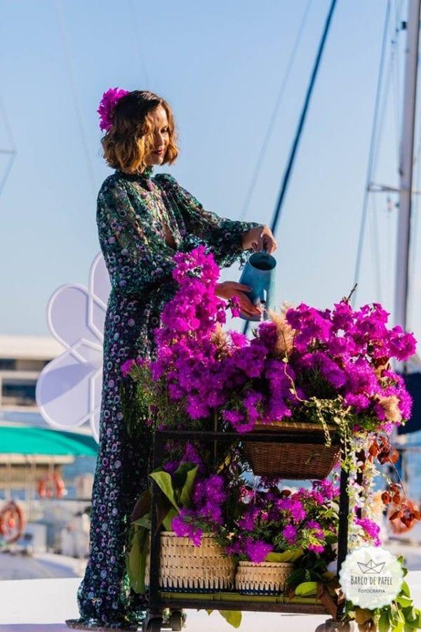 Designer Andre Pereira - Stunning purple floral outfit - Kwiecista fioletowa stylizacja #violet #purple #madeira #funchal #portugal #purplelook #purpleoutfit #fashion #moda #fioletowasukienka #fioletowygarnitur #fioletowystrój
