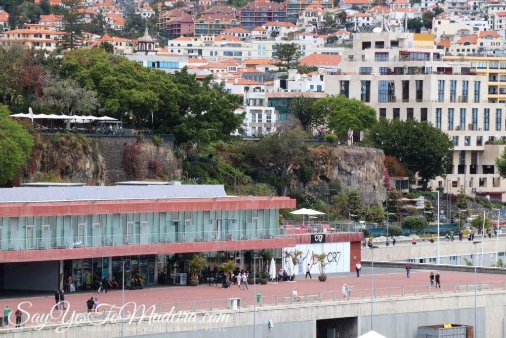 Hotel restauracja i muzeum Cristiano Ronaldo w Funchal na Maderze - Portugalia - Śladami CR7 Madera