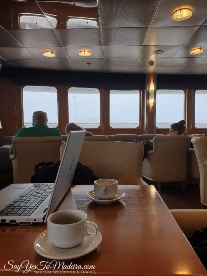 First class lobby - ferry Porto Santo Line from Madeira Island to Porto Santo II Pierwsza klasa - prom z Funchal do Vila Baleira na Posto Santo