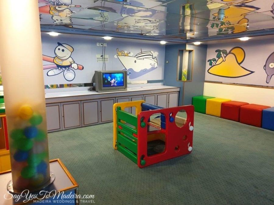 Kids playroom on board of the Porto Santo ferry II Pokój zabaw dla dzieci na pokładzie promu na Posto Santo