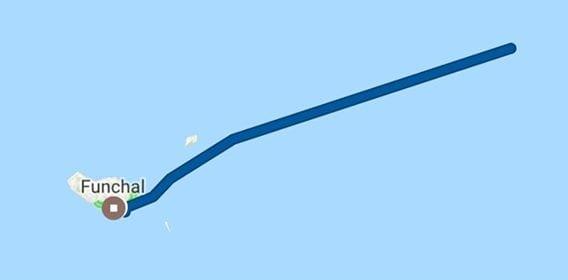 Prom z Portimao na Maderę i Wyspy Kanaryjskie przepływający obok Porto Santo