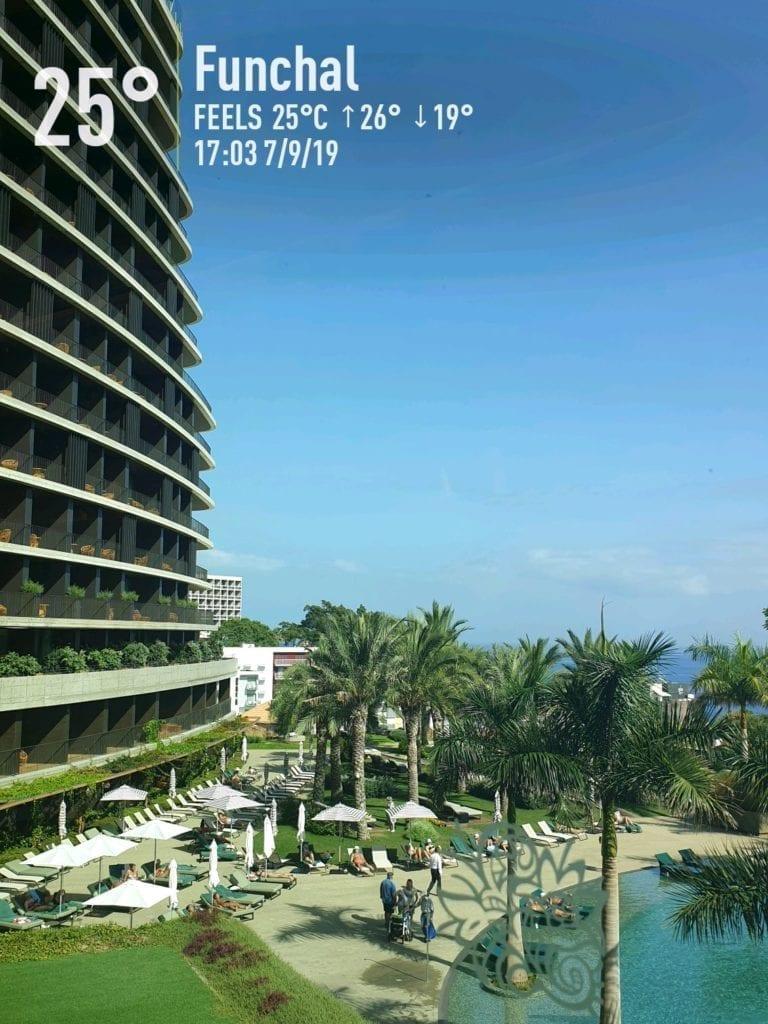 Kąpiele w basenach na Maderze we wrześniu. Wakacje na Maderze we wrześniu. Hotel Savoy Palace w Funchal