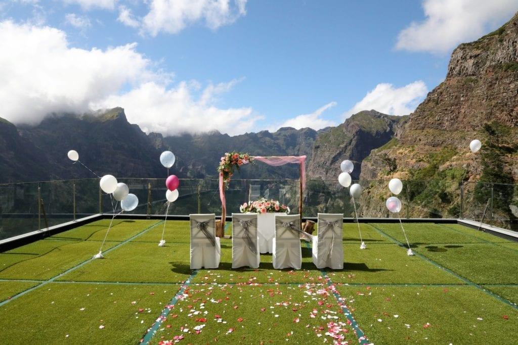 Bruiloft in het buitenland: trouwen in de bergen. Trouwlocatie in de bergen.