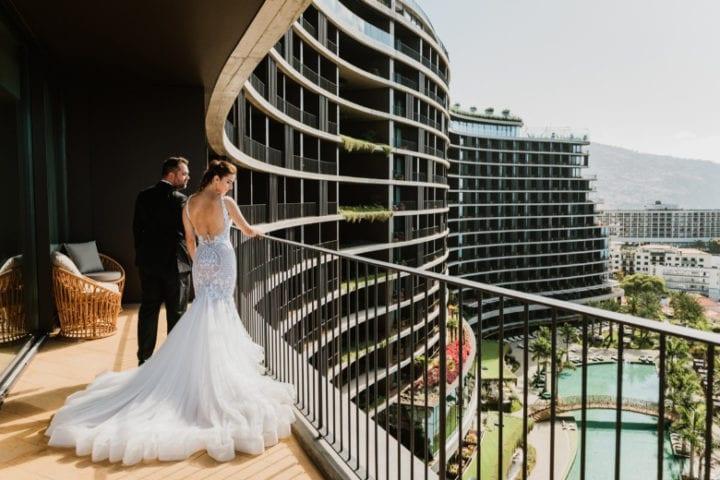 Prestiżowe, nowoczesne i imponujące miejsca na ślub za granicą - Ślub z nutką złota w hotelu Savoy Palace na Maderze