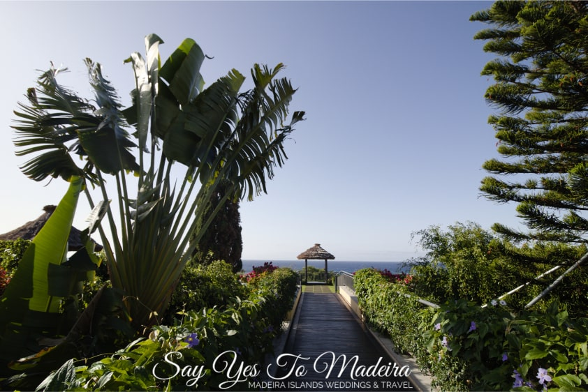 Getting married on Madeira Island, Portugal - Portugal wedding planner - Śluby Madera - Konsultant ślubny Madera - Organizacja ślubu na Maderze - Porto Mare Hotel and wedding altar