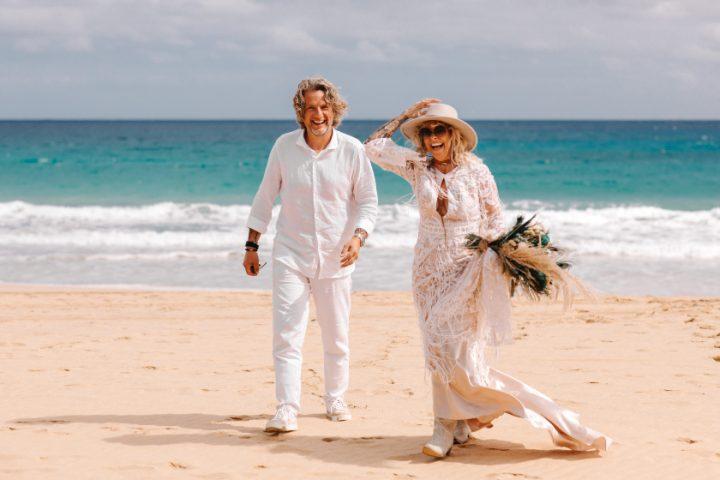Miał być ślub w Grecji, ale zamiast niego odbył się ślub w Portugalii. Piękny ślub boho na plaży na Porto Santo, na Maderze.
