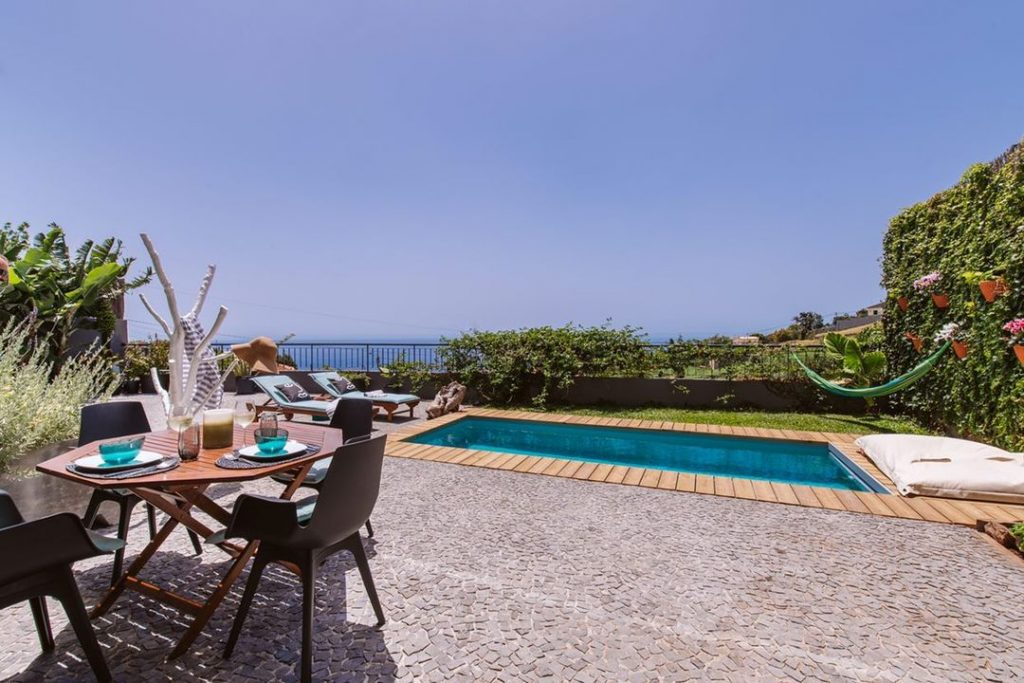 Best design Airbnbs with a pool Madeira Island - Kombi studio